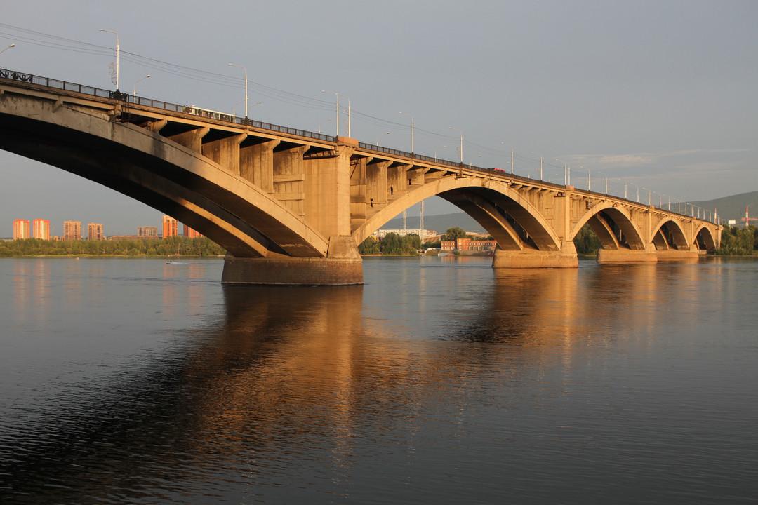 Красноярск_Коммунальный_мост_02.08.2016_(2).jpg