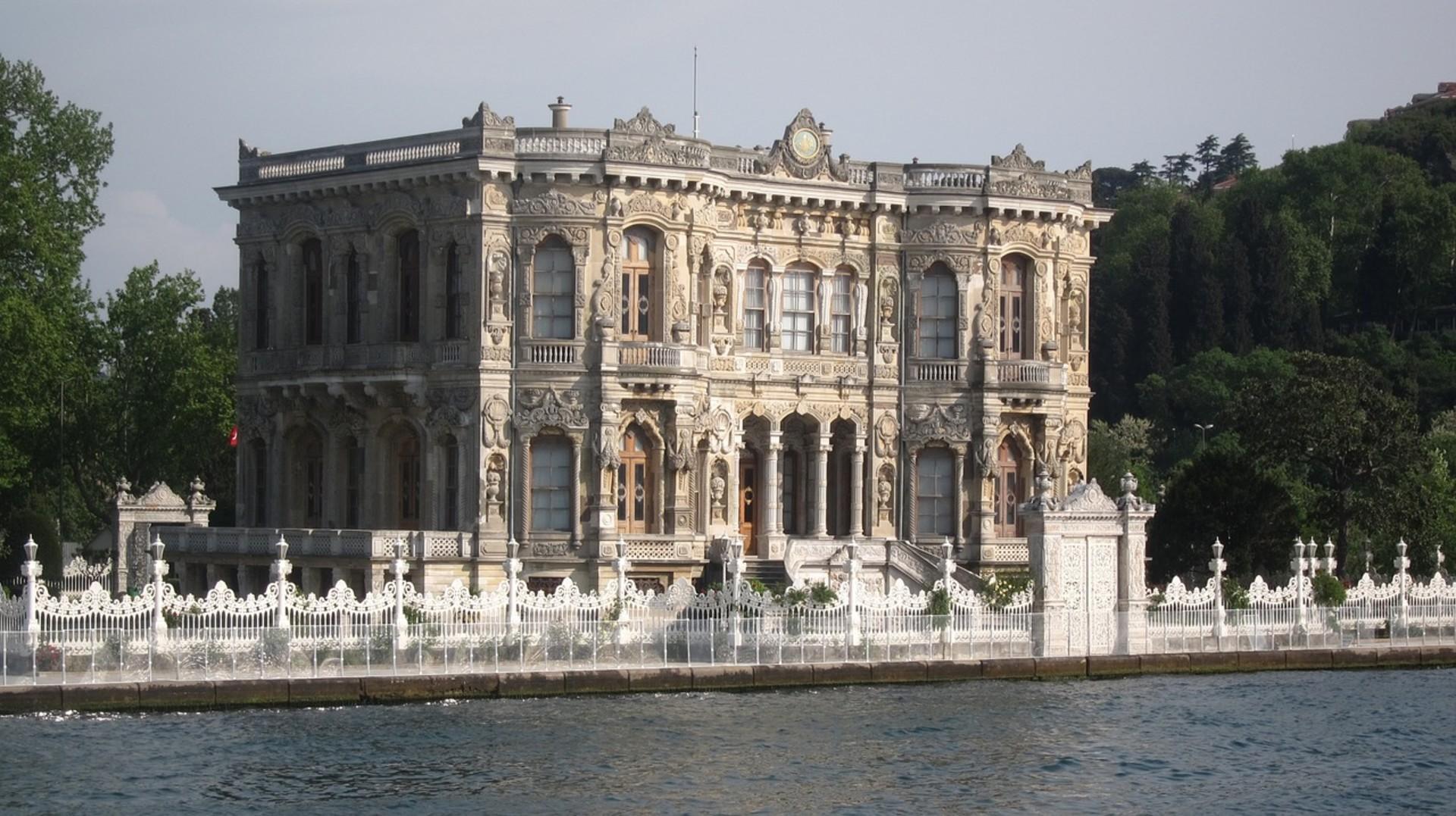 kucuksu-palace-1162615_1280.jpg