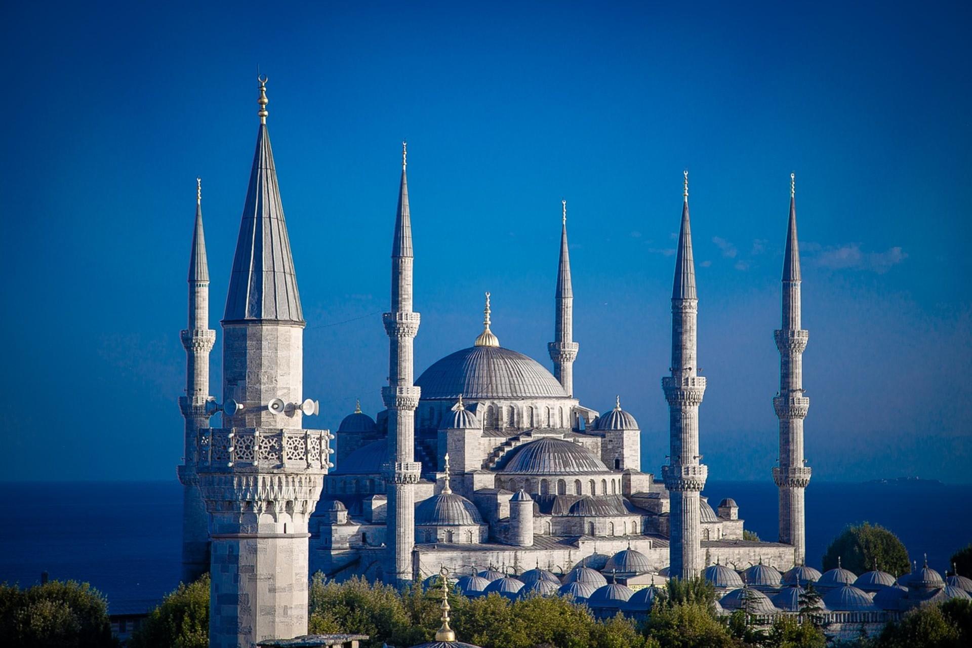 istanbul-1641539_1280.jpg