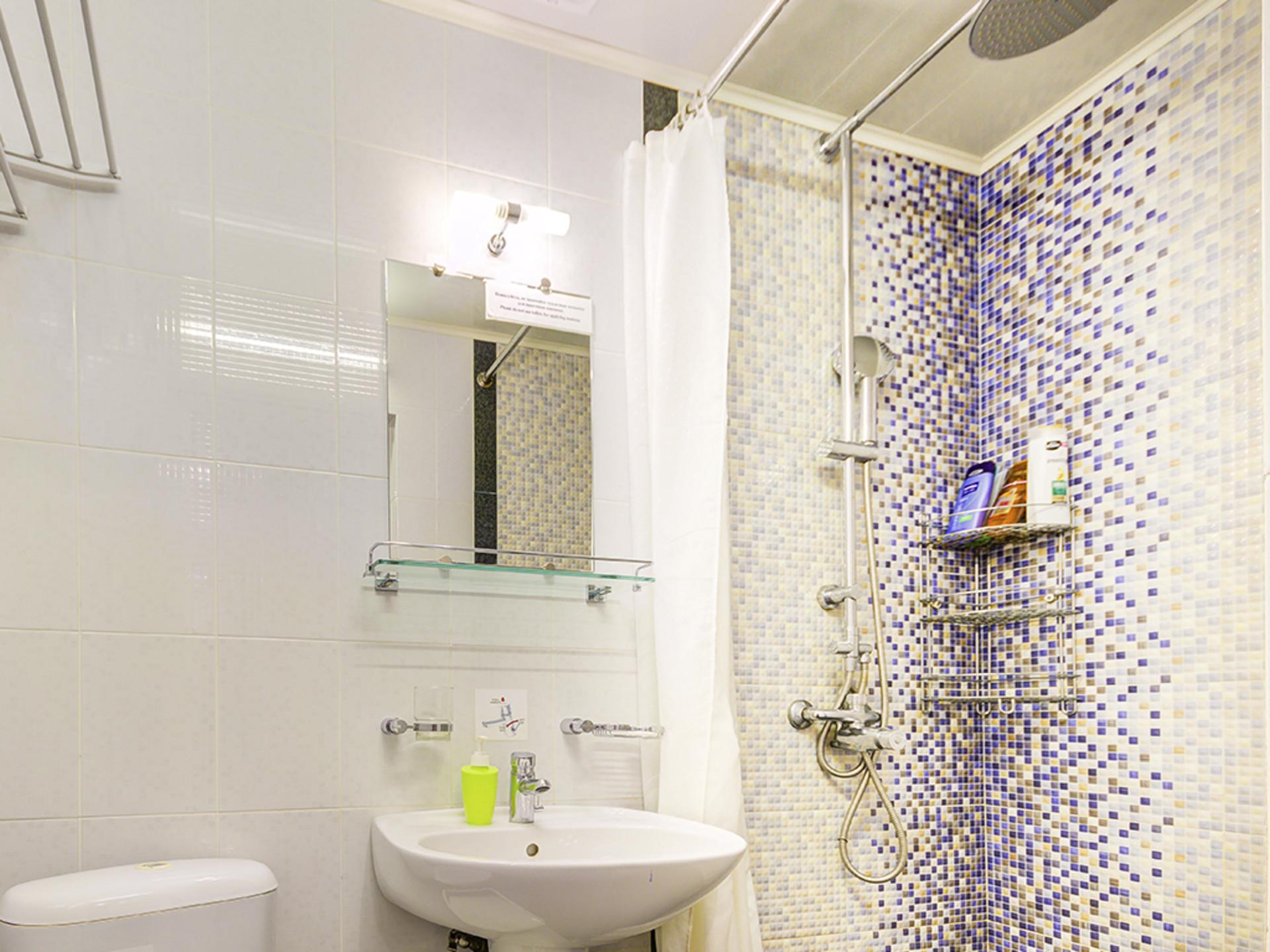 toilet_003_1024.jpg