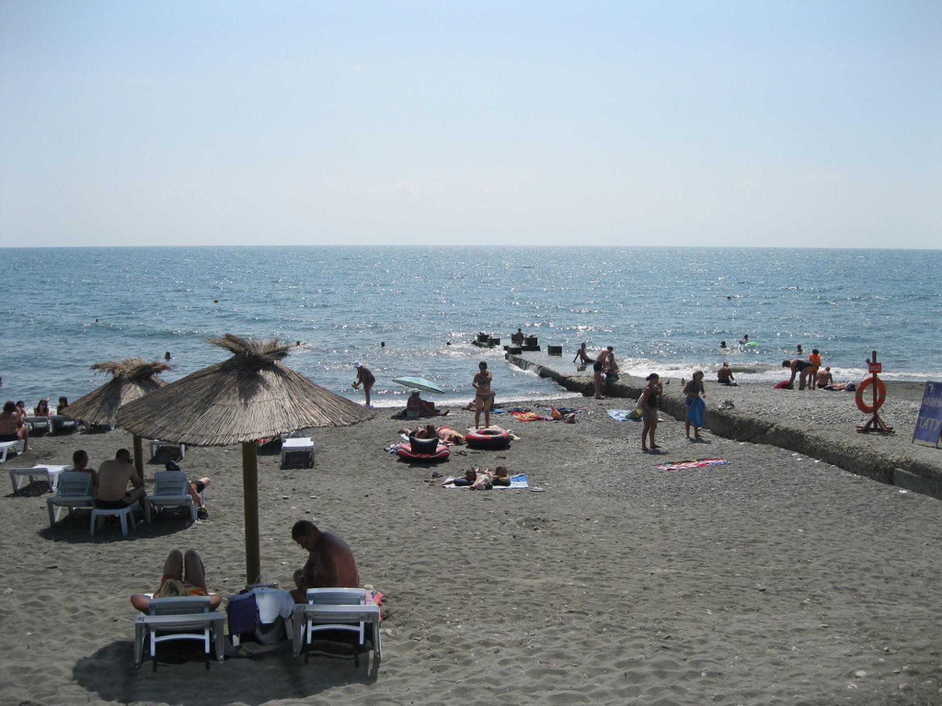 Пляж-Чайка-Адлер-Сочи.jpg