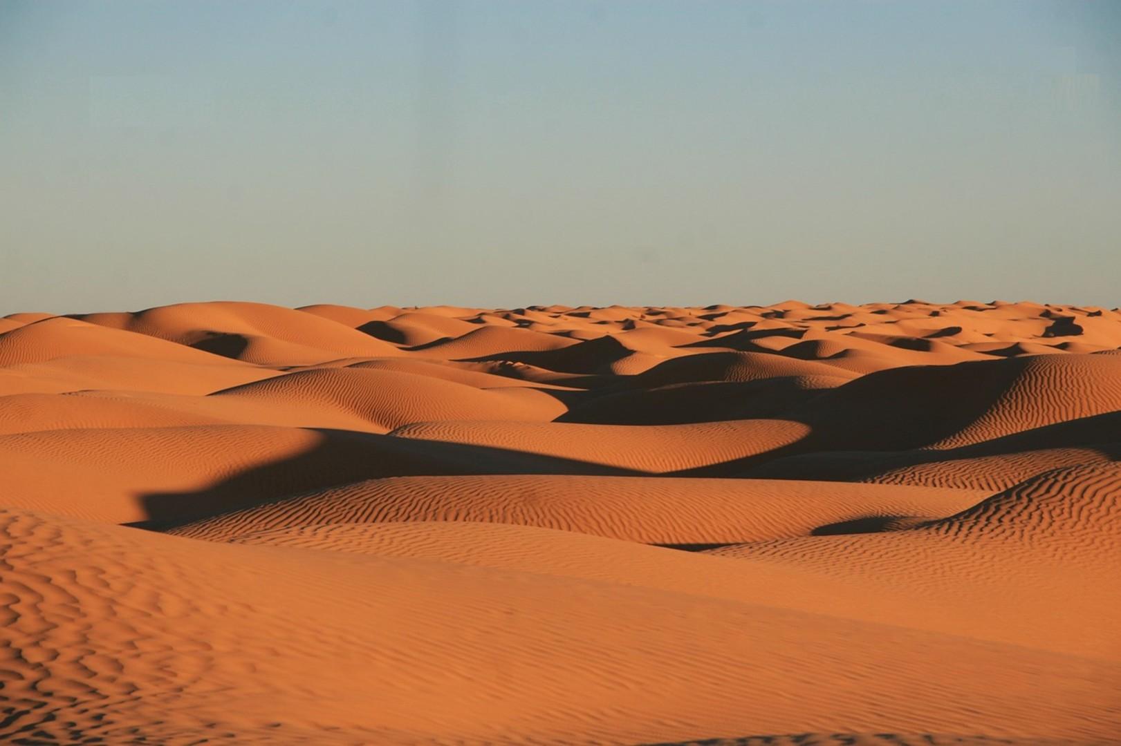 desert-2095287_1280.jpg