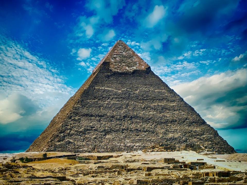 pyramid-2301471_960_720.jpg
