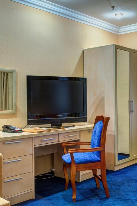 King_Hotel_bisnes2.jpg