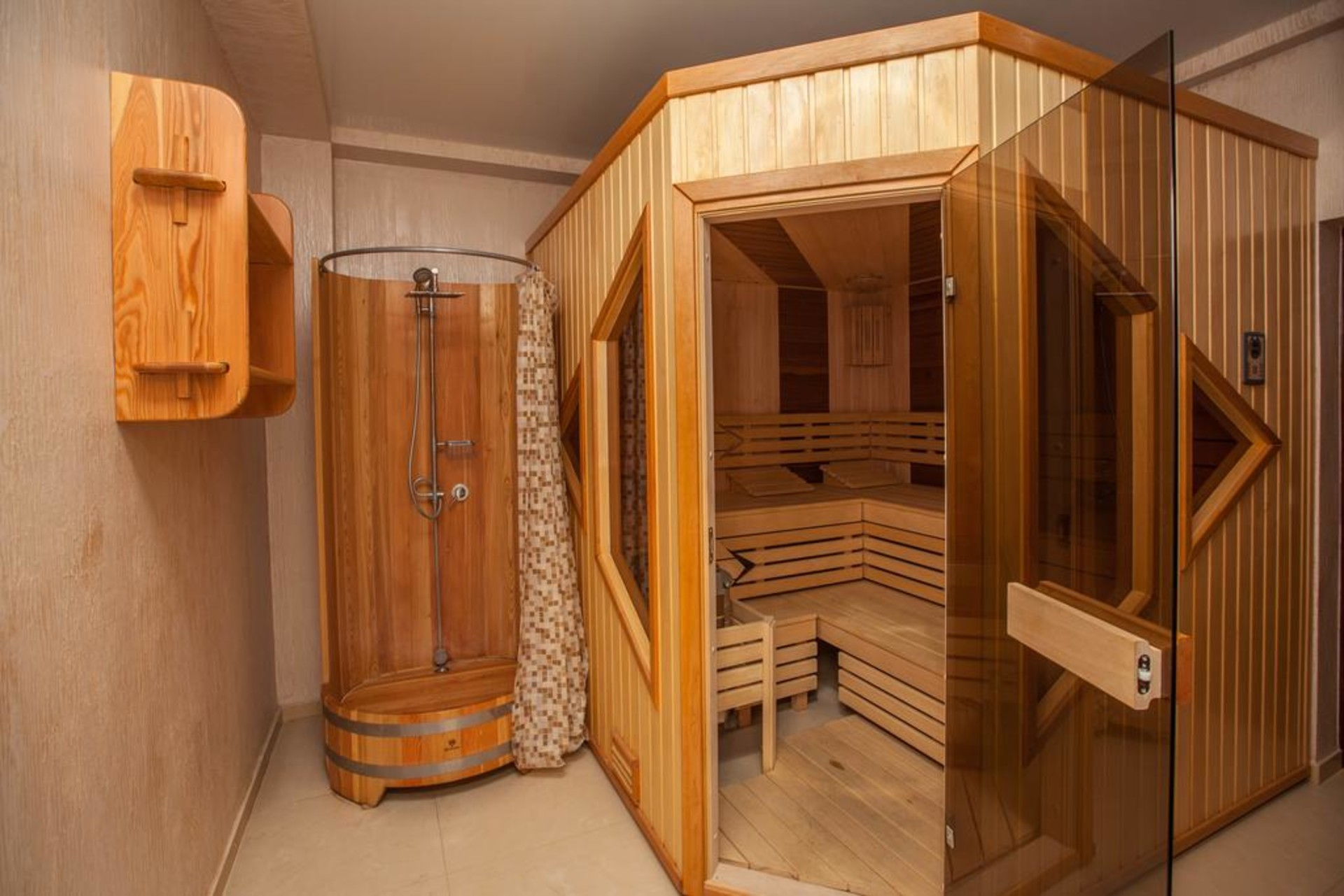 sauna-01.jpg