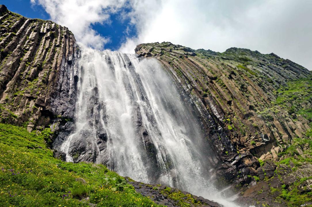 160-prielbrusie-vodopad-terskol.jpg