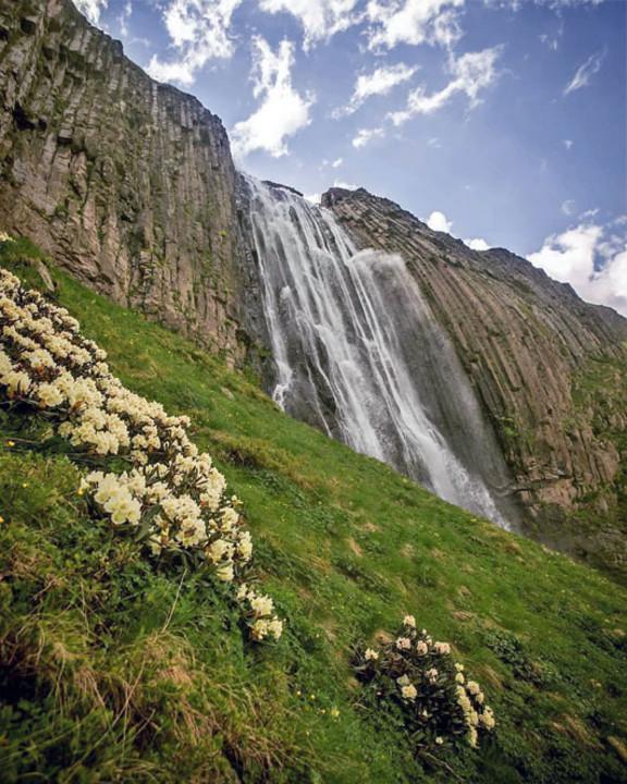 155-prielbrusie-vodopad-terskol.jpg