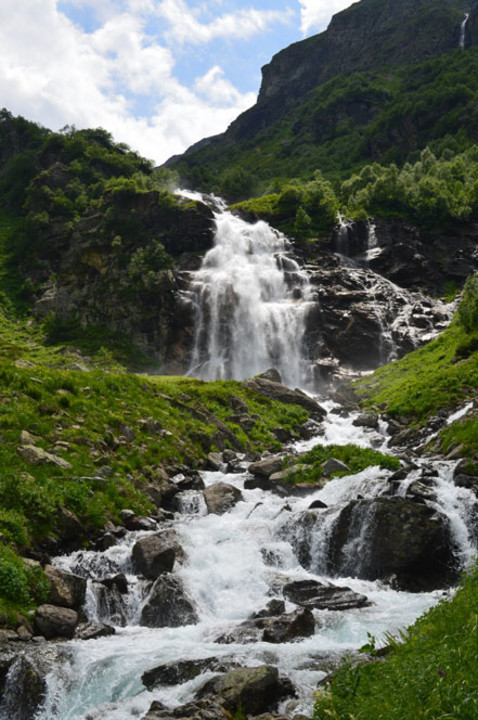325-imeretinsky-vodopad.jpg