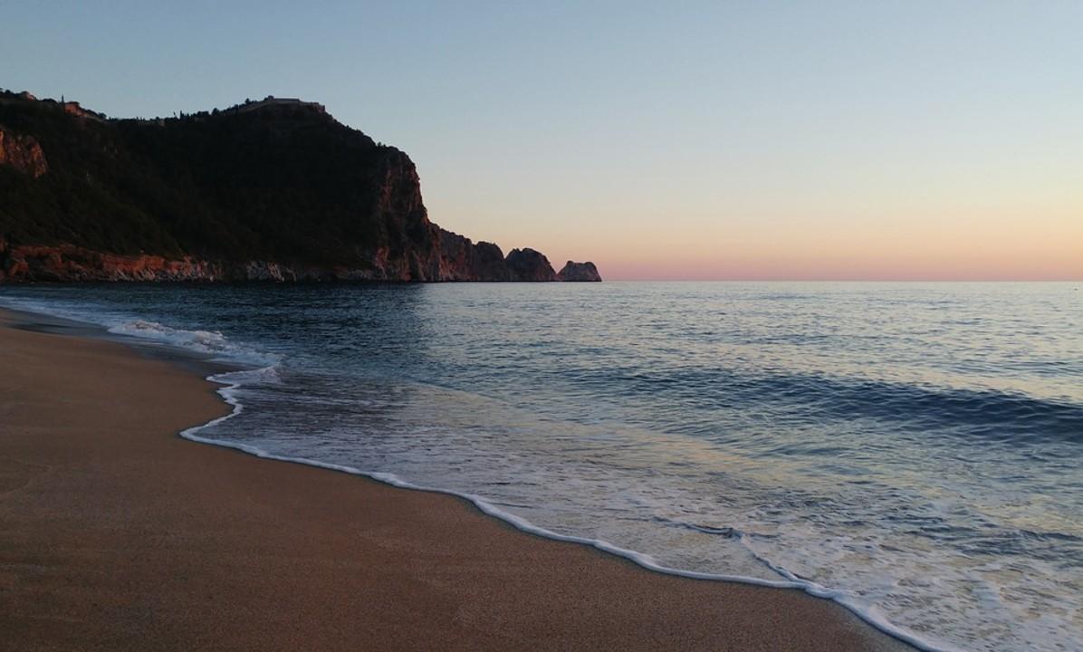 beach-2357321_960_720.jpg