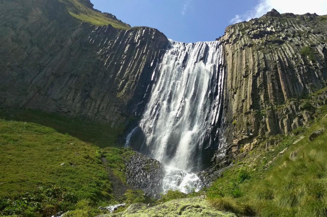 159-prielbrusie-vodopad-terskol.jpg