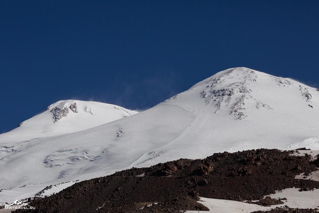 2-две-вершины-эльбруса.jpg